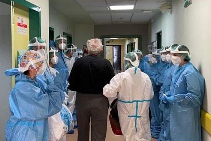 Foto: Giani, l'ultimo paziente esce dal reparto covid